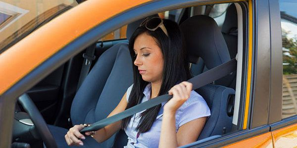 5 Good driving habits to save money on car insurance